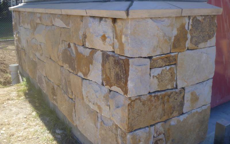 Charters bay stone in tight random squares